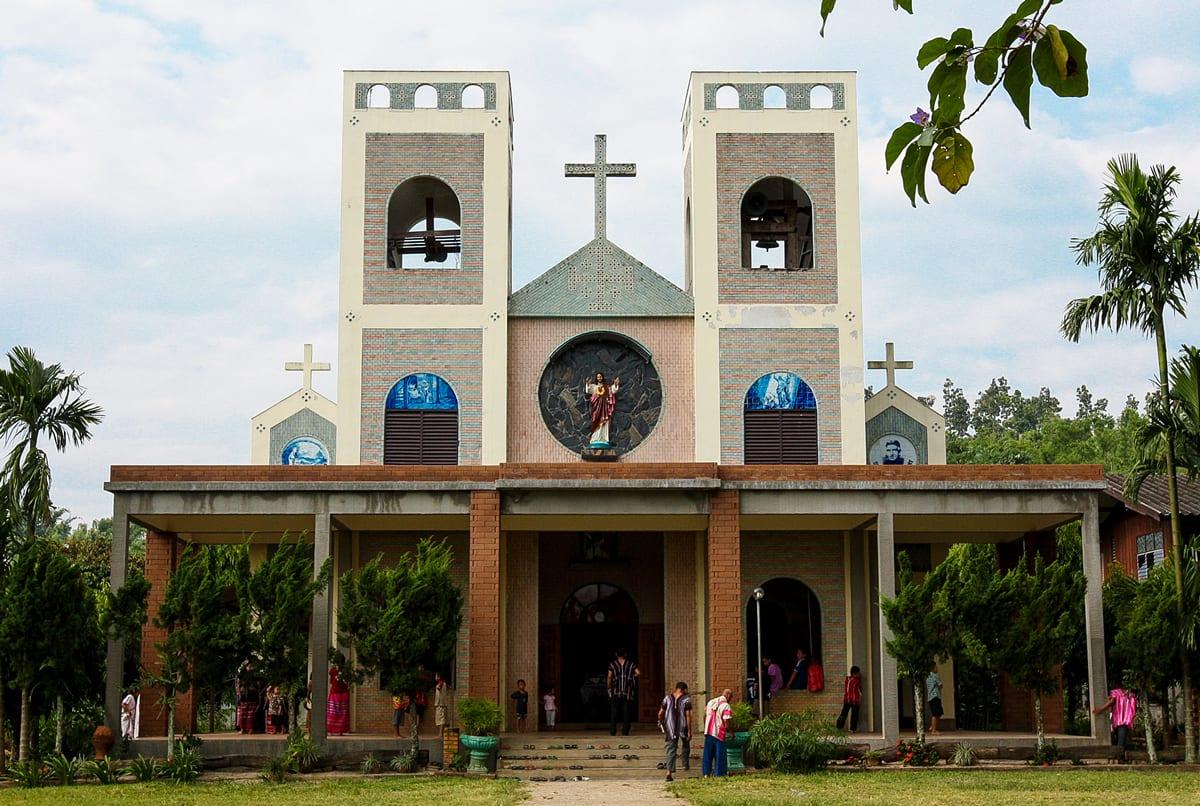 _Holy Family Church Huai Bong